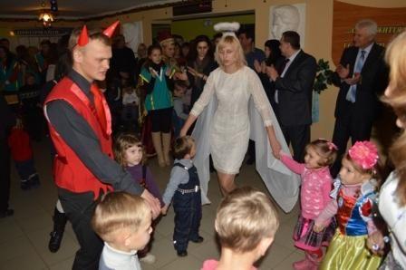 В День Святого Николая студенты ЛНУ организовали праздник для детей-переселенцев